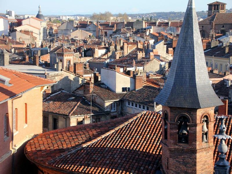 vue des toits de la ville de toulouse