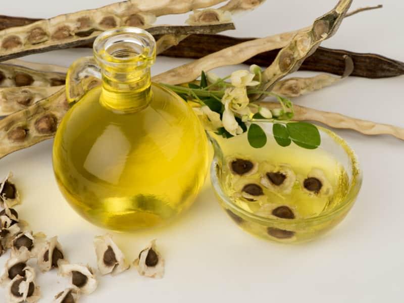 cosmétique à base d'huile de graine de jojoba illustrant la cosmétique du terroir naturelle
