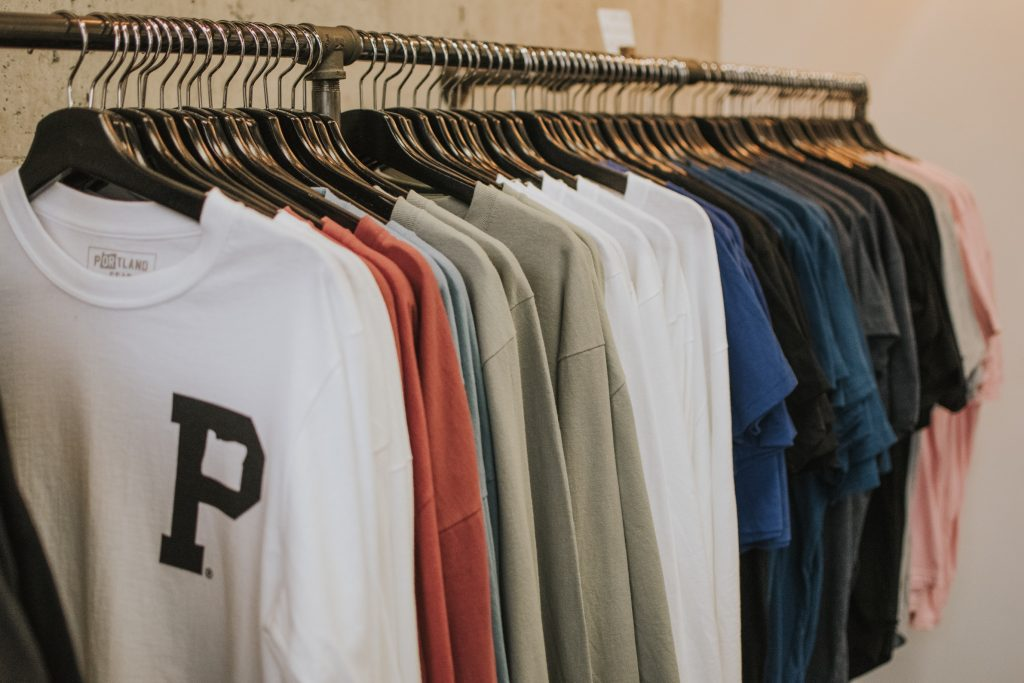 how to start online clothing business