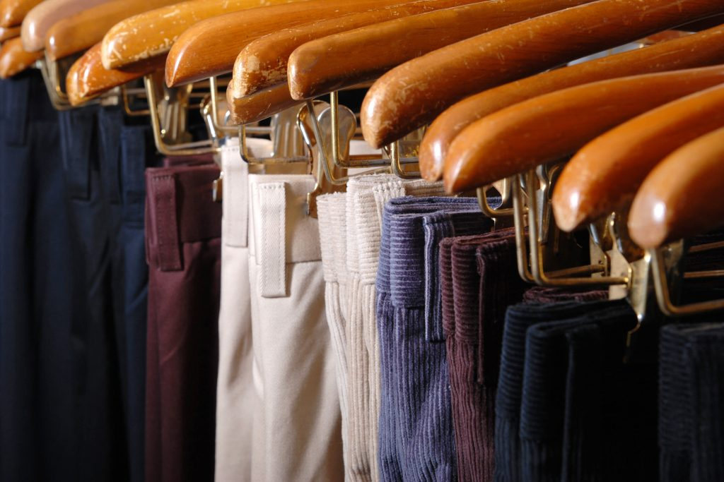 how to start own clothing business
